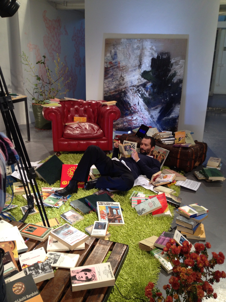 Boosta racconta i suoi libri preferiti e li mette in musica per Sky Arte HD
